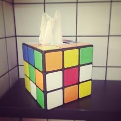 Rocky Pop Hotel - Boite à mouchoirs Rubik's cube